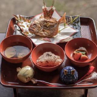 画像:お食い初め膳